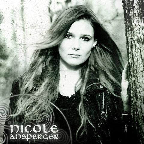 Nicole Ansperger - nova violinista do Eluveitie